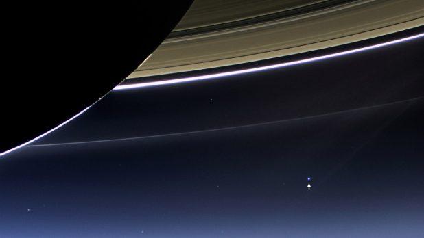 Кассини фотография колец Сатурна и земли